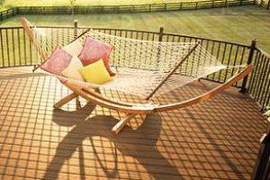 trex-decking-signature-railing-havana-gold-hammock-product-line-up